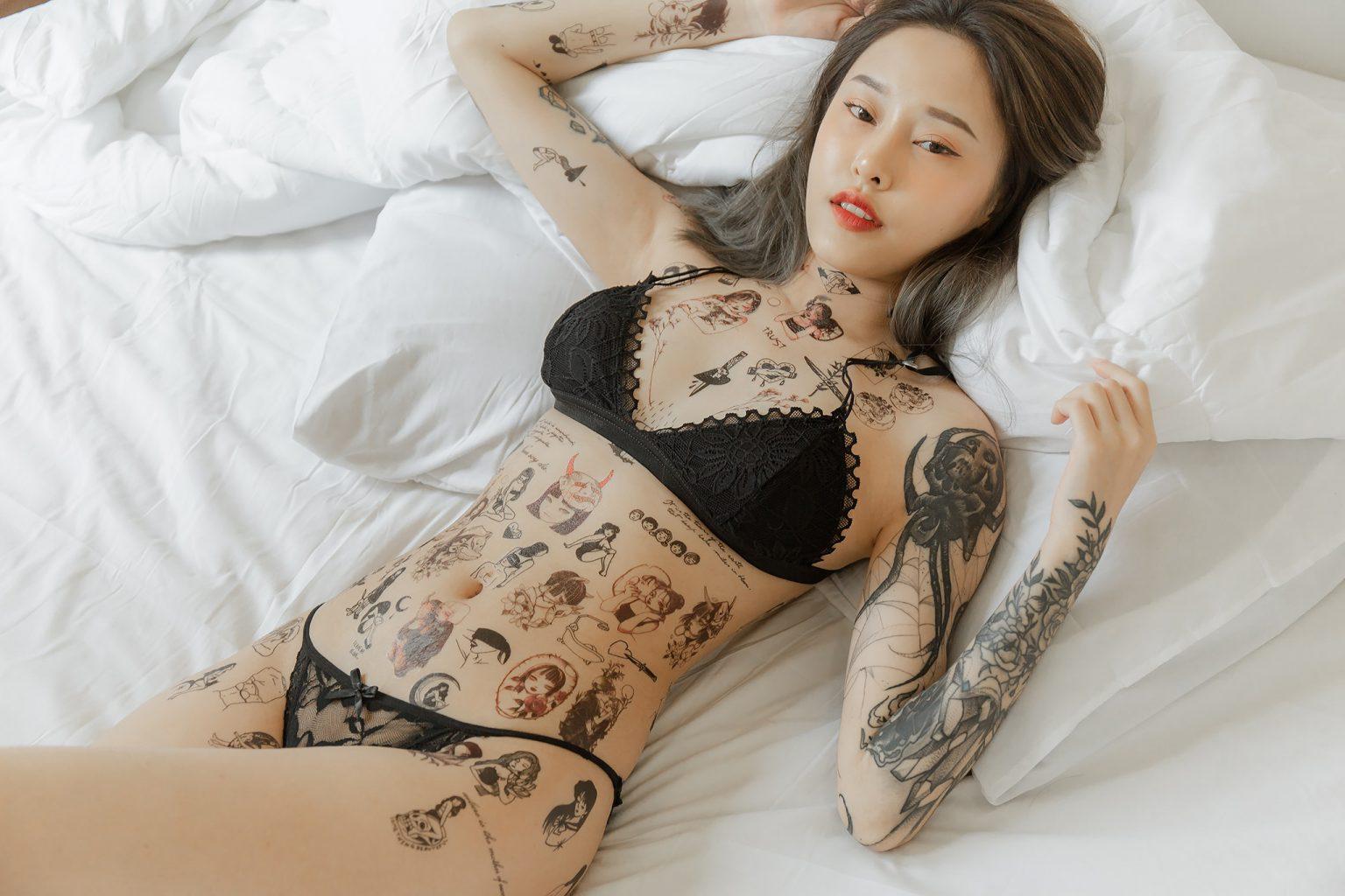 สาวสวยสักลาย